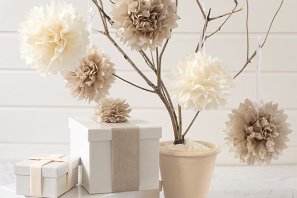 1057068a834396f4936Pompones de papel seda decorativos