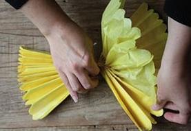 Pompones de papel seda decorativos