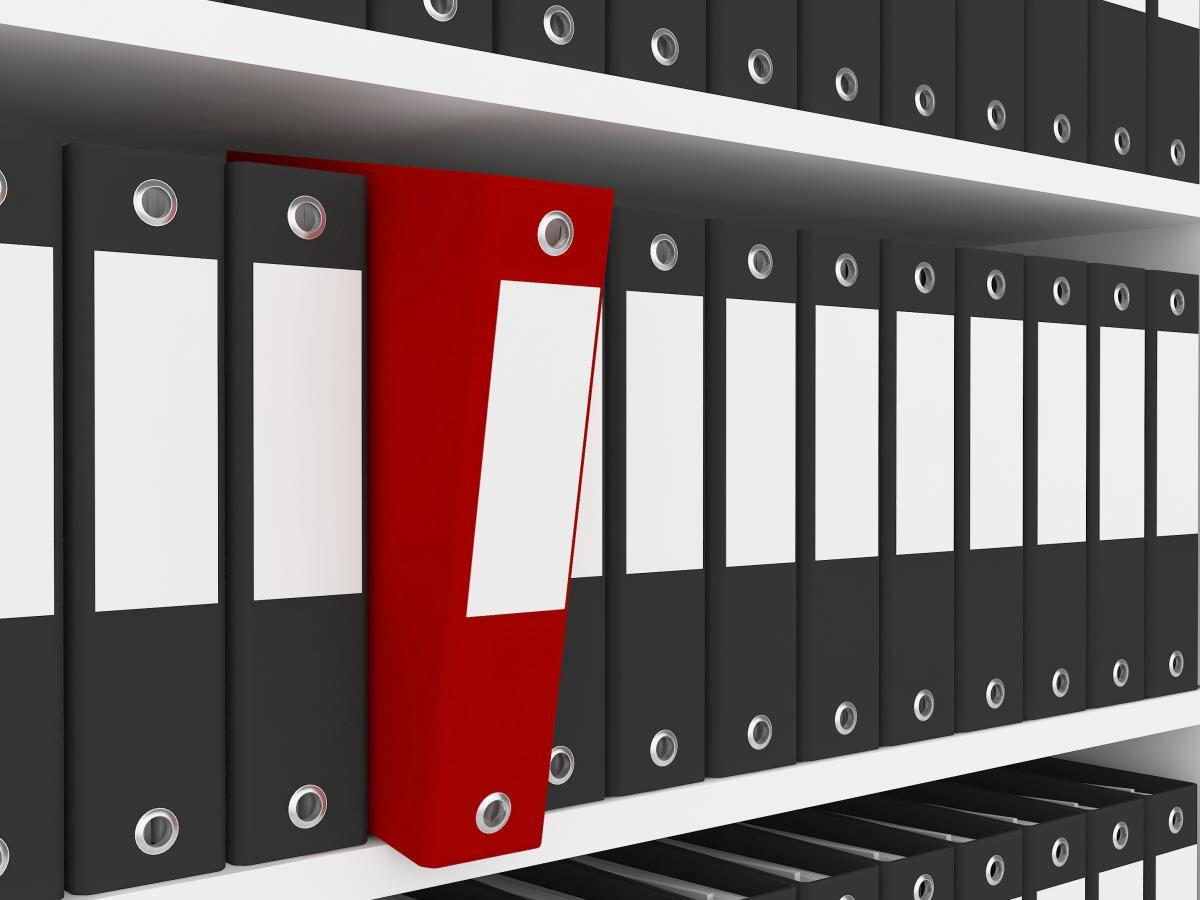 Organizar con archivadores y cajas de archivador